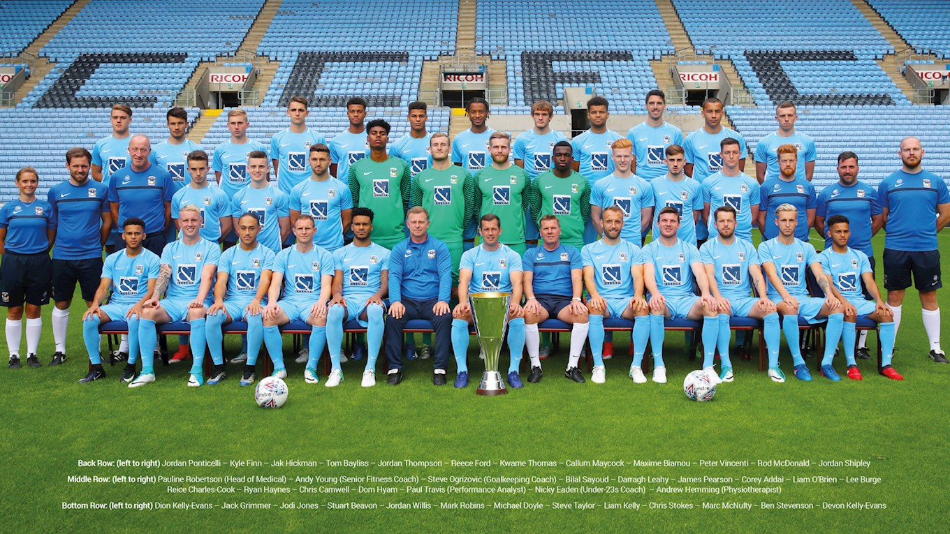 DOWNLOAD: Get The 2017/18 Squad Photo!